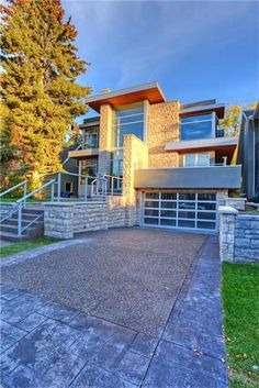Calgary as a city is a place where people call home instead of a place where people came to make money.Calgary Real Estate supply various condos or homes for sale.Homes price range stating from $100,000 to high price depending upon the features included.