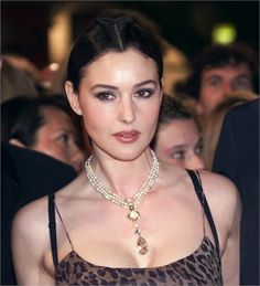 Italian actress Monica Bellucci poses upon her arrival at the Palais des Festivals for the screening of her movie 'Under Suspicion' directed by. Monica Bellucci Joven, Monica Bellucci Young, Monica Belluci, Monica Bellucci Makeup, Italian Women, Italian Beauty, Beautiful Celebrities, Most Beautiful Women, Stunning Women