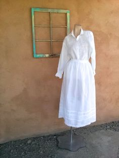 Vintage 1980s White Linen Skirt Oversized Blouse 2 Piece US8 W29 2015k - pinned by pin4etsy.com