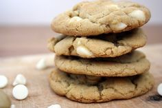White Chocolate Macadamia Cookies @FoodBlogs