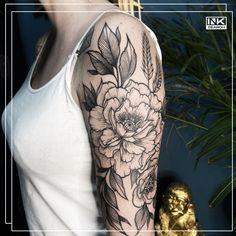 Best tattoos and artists from around the world. #color #colour #flowers #floral #tattoo #tatuaż #flower #kwiaty #poland #polska #kwiat #peony #kwiatek #piwonie #katowice 🌷🌹🌺🌸🌼🌻