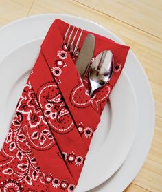 Red bandanas used as napkins can make a nice alternative to the white paper variety.