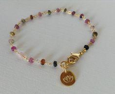 Turmalin trifft Lotus  von Bettis Buddha-Bänder       auf DaWanda.com  Traumhafter Yogaschmuck !