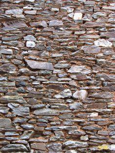 Mur , wall , Estaing, Aveyron, France