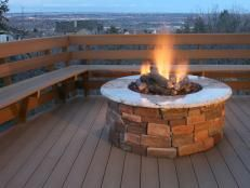 Hottest fire pit ideas brick outdoor living that won't break the bank. Find beautiful outdoor diy fire pit ideas and fireplace designs that let you get as simple or as fancy as your time and budget allow for building or improve a your backyard fire pit. Fire Pit On Wood Deck, Outside Fire Pits, Concrete Fire Pits, Concrete Patio, Flagstone Patio, Concrete Projects, Small Fire Pit, Cool Fire Pits, Outdoor Propane Fire Pit