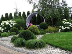 Na zielonej... trawce :) Back Gardens, Front Yard Landscaping, Topiary, Hedges, Deco, Garden Design, Outdoor Living, Sidewalk, Outdoor Structures