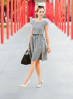 Sydney Style - Petite Fashion & Style Blogger. For more petite fashion & style bloggers visit http://petitestyleonline.com/blogroll/