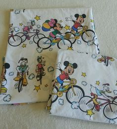 Vintage 80s 90s Disney Mickey Mouse, Minnie Mouse, Donald Duck, Daisy Duck bicycle twin sheet set!  Riding bikes with these guys looks like so much fun! LOVE!!