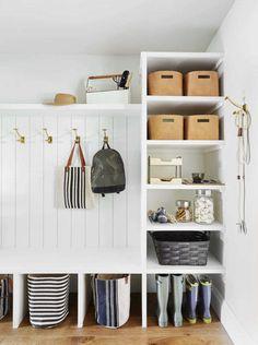 Design Scandinavian, Ideas Dormitorios, Mudroom Laundry Room, Mud Room In Garage, Pantry Design, Home Organization, New Homes, Beach House, Interior Design