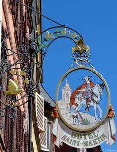 *Enseigne, Hotel Saint-Martin à Colmar, France*