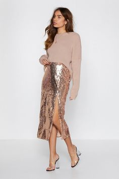 Nasty Gal It's Payback Shine Sequin Skirt Paillette Rock Outfit, Sequin Skirt Outfit, Mode Outfits, Skirt Outfits, Club Outfits, Club Dresses, Mode Simple, Party Mode, New Years Eve Outfits