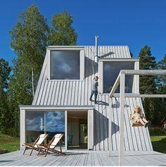 Dalarna je provincie ve středním Švédsku a právě sem architekt Leo Qvarsebo umístil svůj letní dům, který má zajímavý nejen tvar, ale i interiér a...