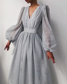 Elegant Dresses, Pretty Dresses, Vintage Dresses, Beautiful Dresses, Elegant Outfit, Classy Dress, Classy Outfits, Maxi Dress With Sleeves, Dress Up