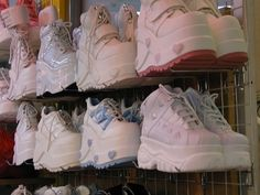 Immagine di shoes, platform, and soft grunge