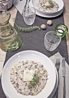 Ricetta: risotto radicchio di Treviso e salsiccia, con quadrato di taleggio. #ricette #food
