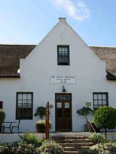 Trailrider - Adventures and Ride Reports: Tulbagh & Cape Dutch Gables Farmhouse Architecture, Colonial Architecture, Architecture Plan, Thatched House, Thatched Roof, Cottage House Plans, Cottage Homes, Cape Town Holidays, House Plans South Africa