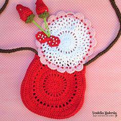 Ravelry: Strawberry purse pattern by Vendula Maderska Crochet Pouch, Crochet Purses, Crochet Yarn, Crochet Stitches, Crochet Hooks, Bag Pattern Free, Bag Patterns To Sew, Crochet Patterns, Childrens Purses