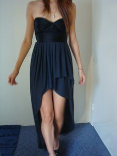 http://www.burdastyle.com/projects/flowy-strapless-dress?image=175539