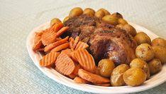 Boston Pork Butt: World's Best Pork Roast Recipe - Delishably - Food and Drink Best Pork Roast Recipe, Pork Roast Recipes, Meat Recipes, Crockpot Recipes, Recipes Using Pork, Good Roasts, Roast Dinner, Tasty Dishes, Pot Roast