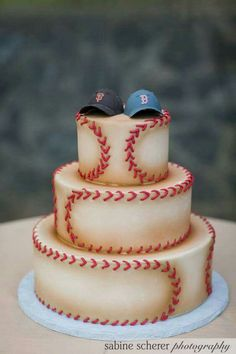 Cool baseball cake for boys age 1 - Also a great idea for a Groom's cake at the right wedding. Baseball Wedding Cakes, Baseball Party, Baseball Cakes, Baseball Grooms Cake, Uk Baseball, Baseball Stuff, Baseball Cleats, Cake Wedding, Softball Birthday Cakes