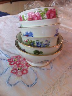 Sugar bowls or for lemons in your tea      #vintagechina#weddings#rentals#englishchina    Vintageenglishteacup