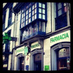 Mejores 106 im genes de farmacia pharmacy en pinterest pharmacy shop fronts y window displays - Muebles alvarez terrassa ...