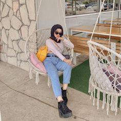 The Journey of The Beautiful Hijab Girl Casual Hijab Outfit, Ootd Hijab, Hijab Chic, Casual Outfits, Muslim Fashion, Hijab Fashion, Fashion Outfits, Beautiful Hijab Girl, Ulzzang