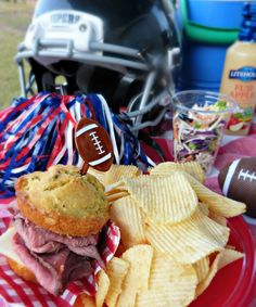 Football game-watching food!  Roast Beef on Ranch Cornbread Muffins! #tailgate #partyfood #beef #appetizers #lunch #funfood #thefitfork | thefitfork.com