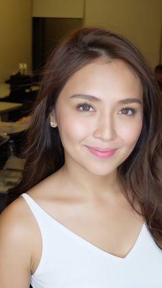 Get new hair care tips and hints. Filipina Actress, Filipina Beauty, Philipino Girls, Liza Soberano, Kathryn Bernardo, Minimal Makeup, Hair Care Tips, Pretty Face, Indian Beauty