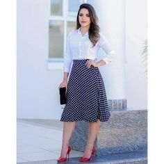Black and White dots Skirt Outfits, Chic Outfits, Pretty Outfits, Dress Skirt, Fashion Outfits, Fashion Over 50, Look Fashion, Girl Fashion, Professional Dresses