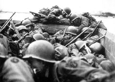 Robert Capa was a significant photojournalist and a founder of Magnum Photos Capa's battle images of the Spanish Civil War and D Day have become iconic. D Day 1944, Omaha Beach, Otto Von Bismarck, Foto Real, Ww2 Photos, Ww2 Pictures, War Photography, Vintage Photography, White Photography