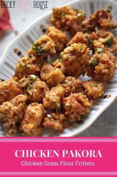 Crunchy, spicy, flavorful and super easy to make. Better make two batches, this Chicken Pakora recipe is a crowd pleaser and a hit with kids! Chicken Recipes Halal, Chicken Pakora Recipe, Chicken Snacks, Chaat Recipe, Fried Chicken, Lunch Recipes, Appetizer Recipes, Cooking Recipes, Healthy Recipes