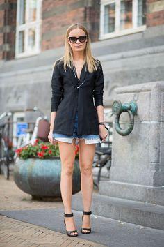 GIRLS AND BIKES: COPENHAGEN STREET STYLE waysify