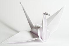 Ik ben dol op de origami kraanvogel. Vooral deze eenvoudige witte uitvoering.