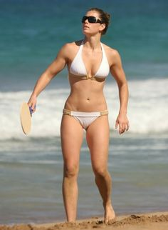 We have a similar build. I am working towards this!! Love that she doesn't have scrawny thighs like some celebrities!