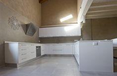 Resina su pareti cucina Decor, Home, Cabinet, Kitchen, Kitchen Cabinets