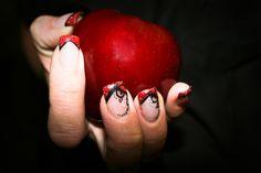 Twilight inspired nails by Jessica @ Jessica Nicole the Studio. ♥