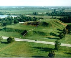 mississippi indian mounds   Cahokia Mounds is currently a State Historic Site. Cahokia is the area ...