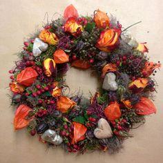 romantischer Blütenkranz  - Türkranz - Tischkranz von kunstbedarf24 auf DaWanda.com