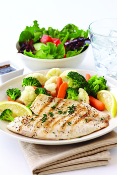 What to Order When Dining Out: Best & Worst Restaurant Choices for Dieters Low Calorie Fast Food, Low Carb Diet, Healthy Mind, Get Healthy, Healthy Dishes, Healthy Recipes, Low Carb At Restaurants, Order Food, Food For Thought