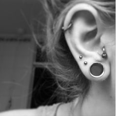 Most awesome ear piercings ever! Getting mine done like this! Already got a small stretcher yay!