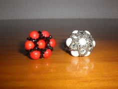 https://flic.kr/p/8F59tT | Anillo bolas | Este anillo lo ha hecho mi amiga pepi (lectora 37).y como me ha gustado mucho pues yo se los copio.......Jajajajaja..........