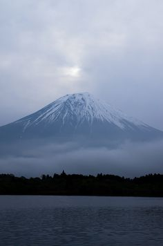 Mount Fuji, Lake Tanuki, Fujinomiya, Shizuoka, Japan Japan Tourist Spots, Wonderful Places, Beautiful Places, Iran Pictures, Monte Fuji, Places To Travel, Places To Visit, Go To Japan, Shizuoka