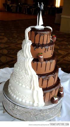 Bolo meio a meio #cake #wedding #chocolate