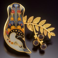Brooch by Michael Romanik of cloisonné enamel, iolite, silver and gold (2007 Niche award winner)