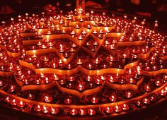 Diwali (Deepavali or Deepawali or Dipawali) is India's big festival. Diwali means rows of lighted lamps. It is a festival of lights and all Indian Hindus celebrate it. During this festival, people light up their houses and shops. Happy Diwali Rangoli, Feliz Diwali, Rangoli Designs Diwali, Diwali Hindu, Diya Rangoli, Diwali Diya, Flower Rangoli, Hindu Festival Of Lights, Hindu Festivals
