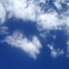Do you see a love heart? #moment #beauty #happiness #mindfulness #heart #peace #sky #cloud #blues #white