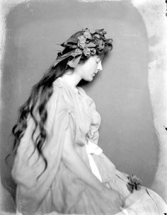 Portrait of an unidentified woman, Jacksonville, Florida, c. 1890. #Victorian #women #ethereal
