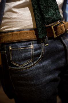 denim + suede belt + cotton tie create an amazingly casual outfit!