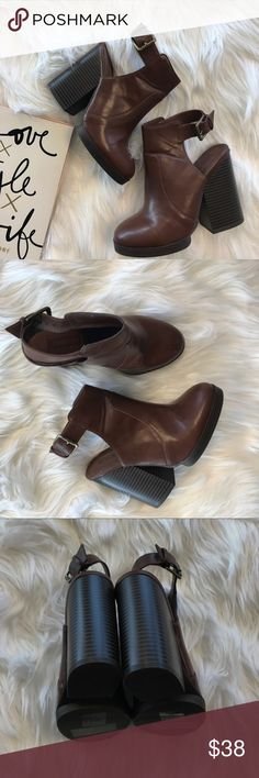 Forever 21 Booties Only worn once- perfect condition. Forever 21 Shoes Ankle Boots & Booties